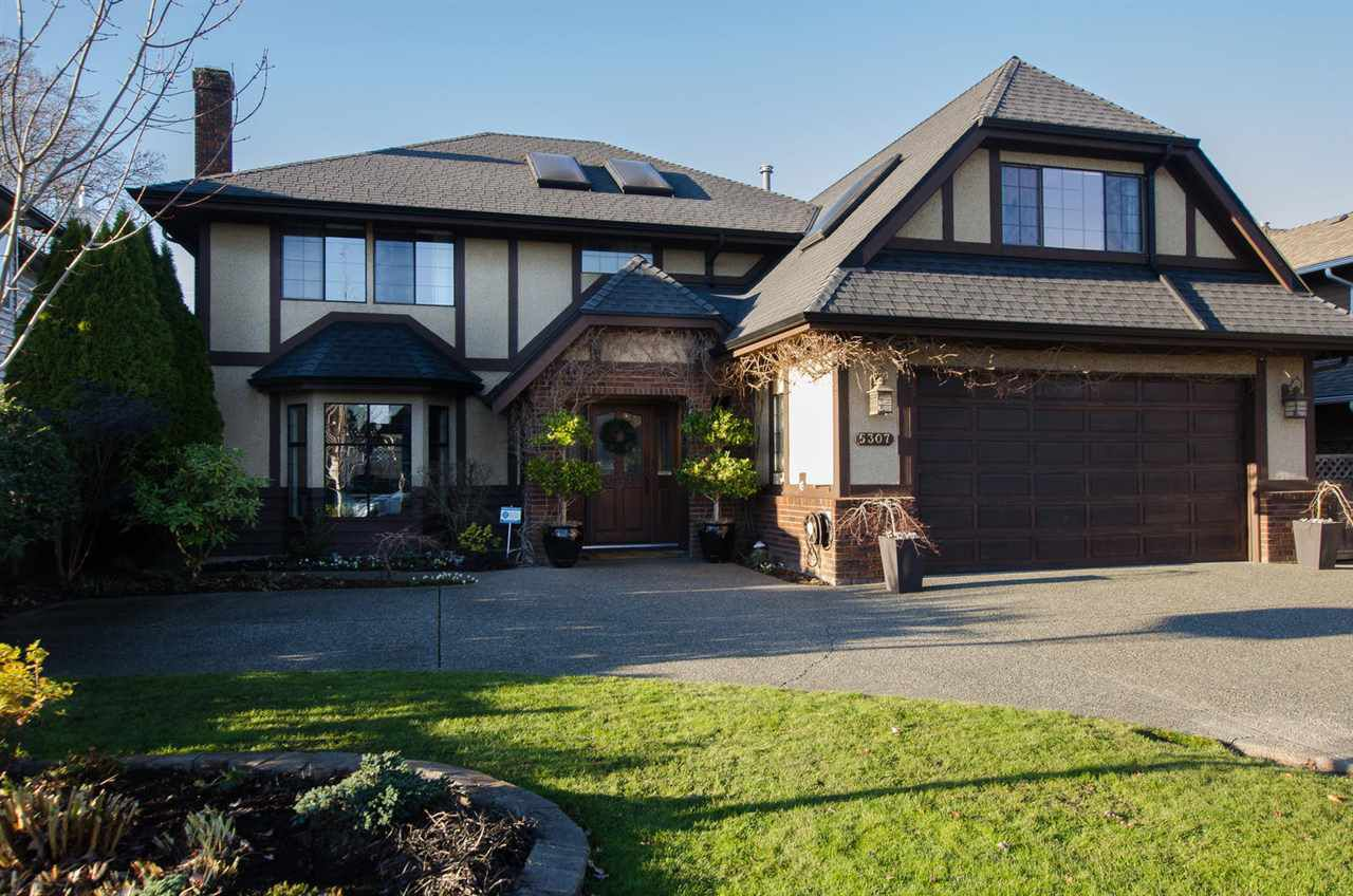 "Main Photo: 5307 LAUREL Drive in Delta: Hawthorne House for sale in ""VICTORY SOUTH"" (Ladner)  : MLS®# R2323784"
