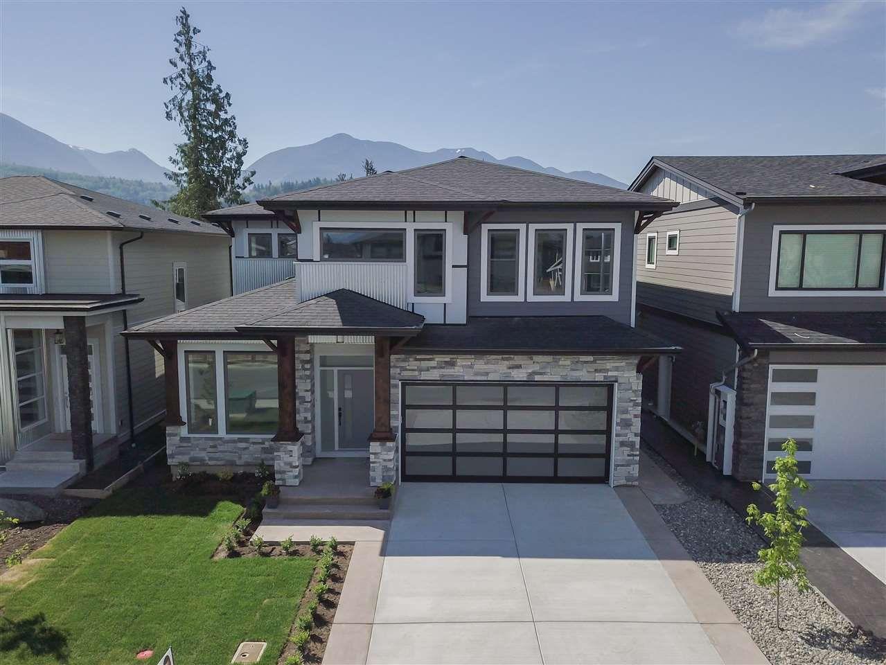 "Main Photo: 45944 BIRDIE Place in Sardis: Sardis East Vedder Rd House for sale in ""Higginson Estates"" : MLS®# R2328672"