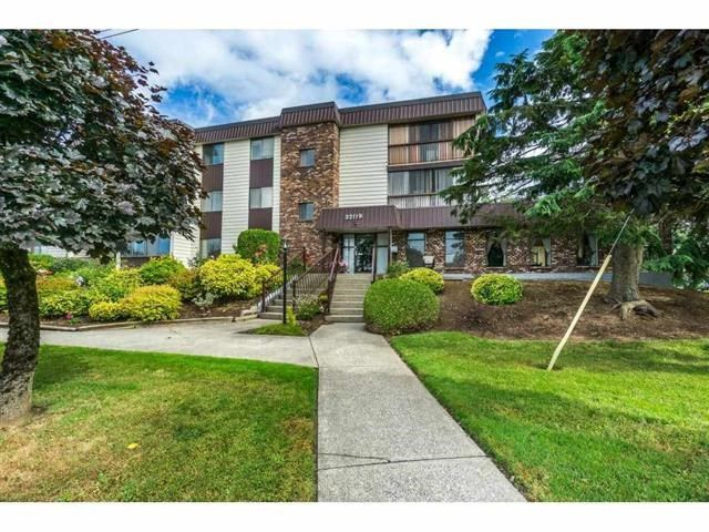 "Main Photo: 302 32119 OLD YALE Road in Abbotsford: Abbotsford West Condo for sale in ""Yale Manor"" : MLS®# R2329445"