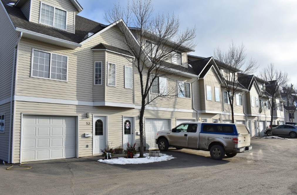 "Main Photo: 54 350 PEARKES Drive in Williams Lake: Williams Lake - City Townhouse for sale in ""Sunridge Gardens"" (Williams Lake (Zone 27))  : MLS®# R2335179"