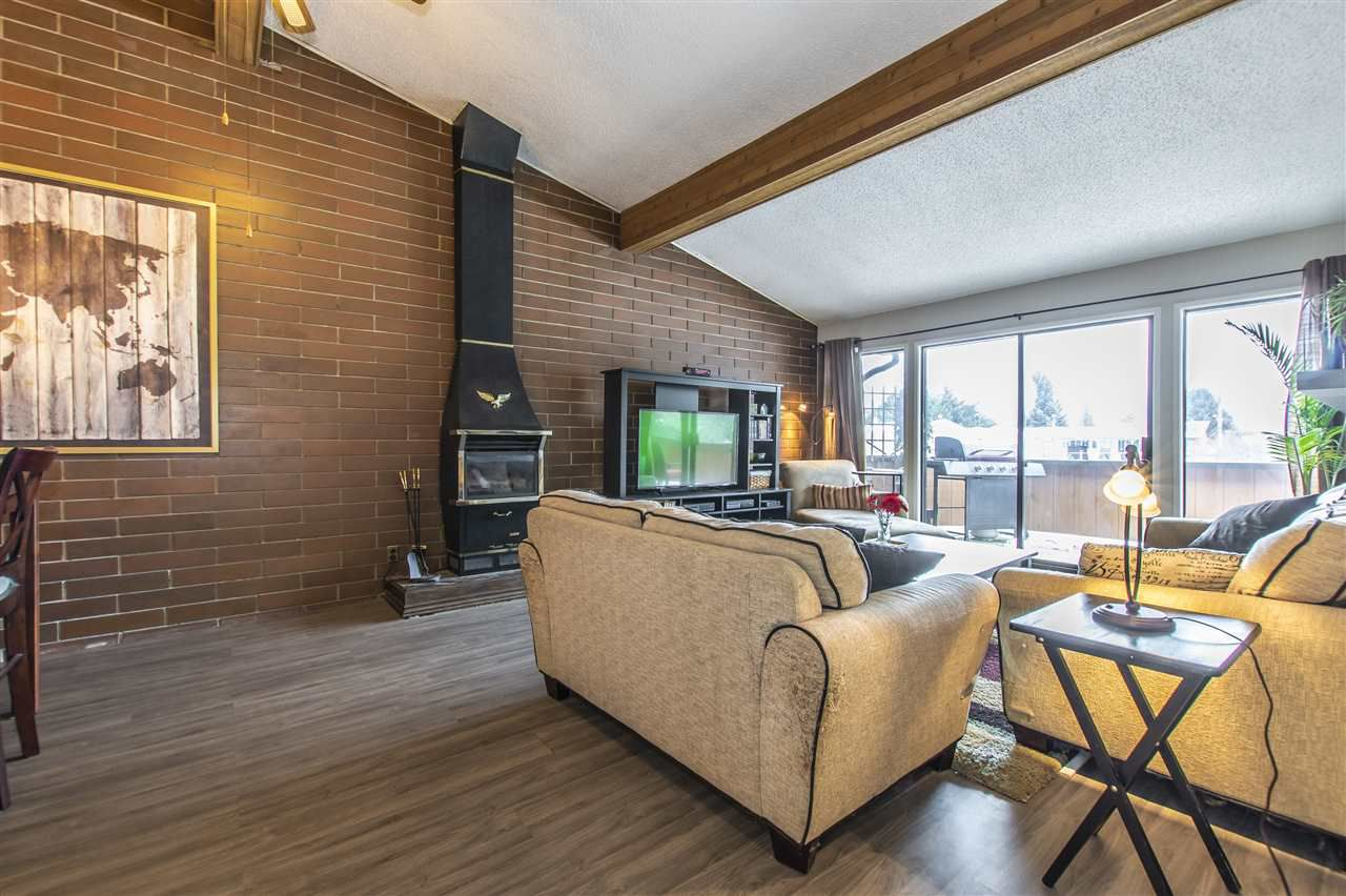 """Main Photo: 208 46210 CHILLIWACK CENTRAL Road in Chilliwack: Chilliwack E Young-Yale Condo for sale in """"CEDARWOOD"""" : MLS®# R2341552"""