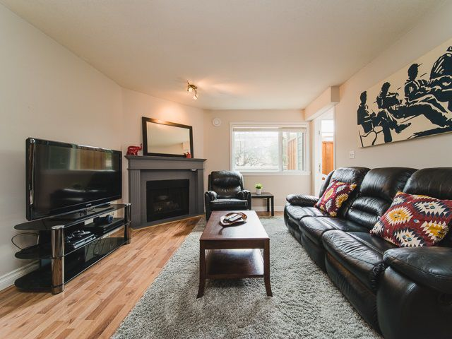 Main Photo: 101 518 THIRTEENTH Street in New Westminster: Uptown NW Condo for sale : MLS®# R2382615