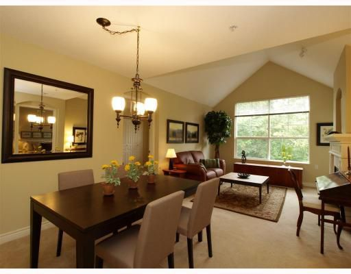 Main Photo: 409 960 Lynn Valley Road in North Vancouver: Lynn Valley Condo for sale : MLS®# V790144
