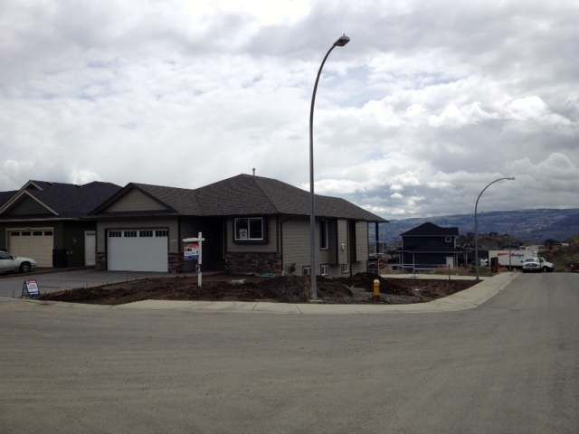 Main Photo: 2100 DOUBLETREE Crescent in : Batchelor Heights House for sale (Kamloops)  : MLS®# 121325