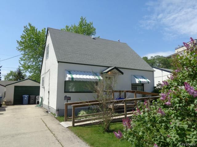 Main Photo: 194 Thompson Drive in WINNIPEG: St James Residential for sale (West Winnipeg)  : MLS®# 1412485