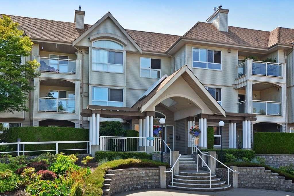 "Main Photo: 210 20381 96 Avenue in Langley: Walnut Grove Condo for sale in ""Chelsea Green"" : MLS®# R2166808"