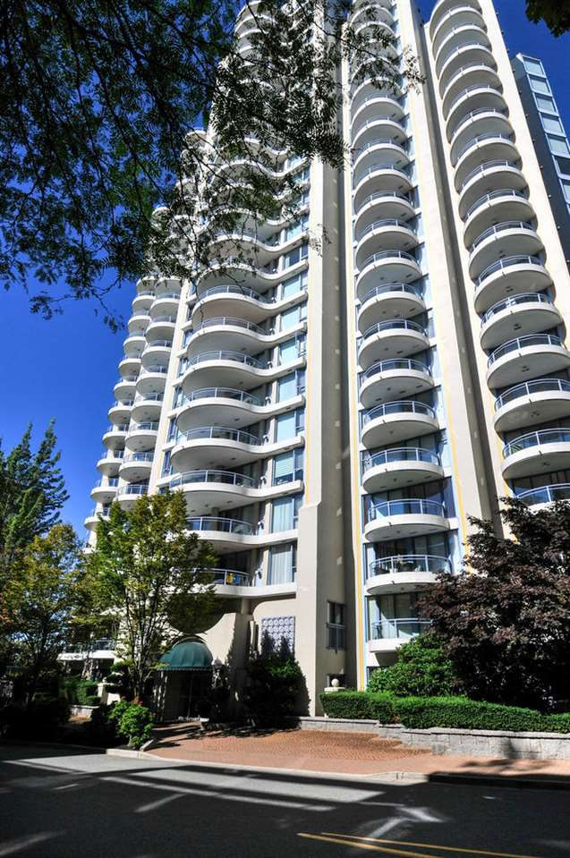 "Main Photo: 906 739 PRINCESS Street in New Westminster: Uptown NW Condo for sale in ""BERKLEY PLACE"" : MLS®# R2204179"