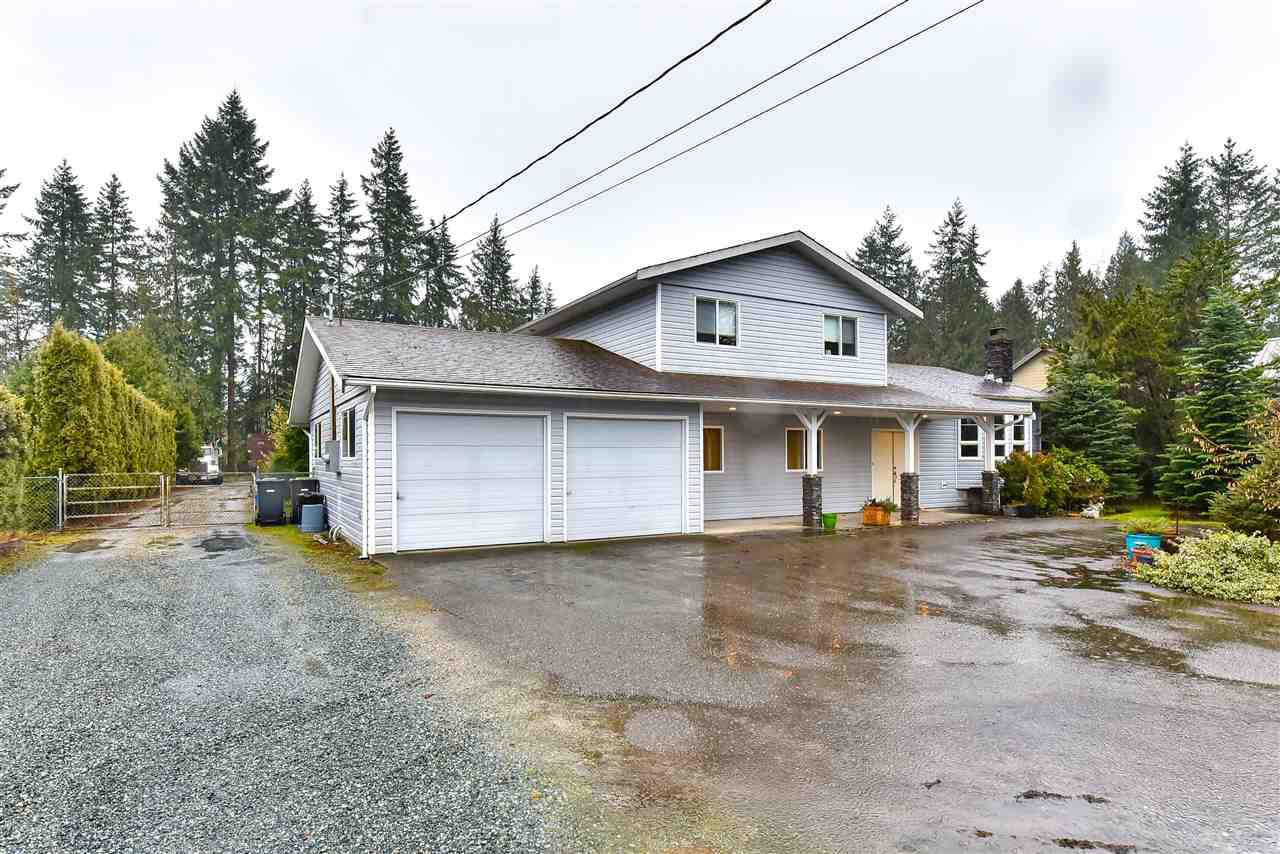 Main Photo: 24466 56 Avenue in Langley: Salmon River House for sale : MLS®# R2235305