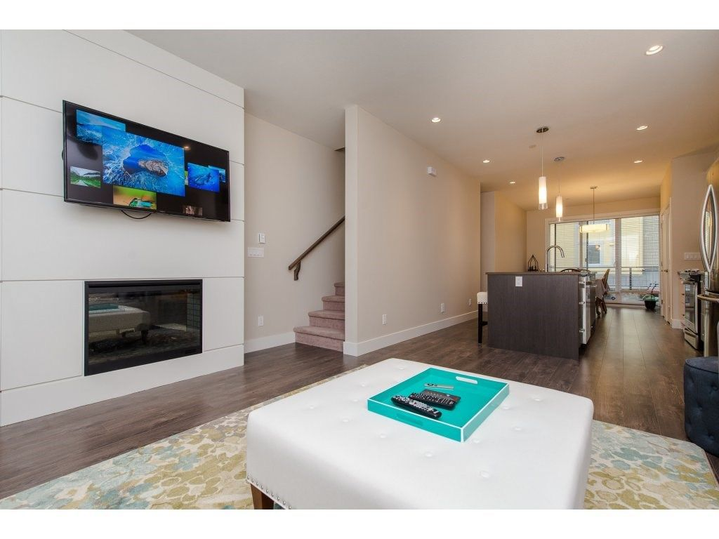 """Photo 10: Photos: 35 45615 TAMIHI Way in Sardis: Vedder S Watson-Promontory Townhouse for sale in """"EDGEMONT TOWNHOMES"""" : MLS®# R2243809"""