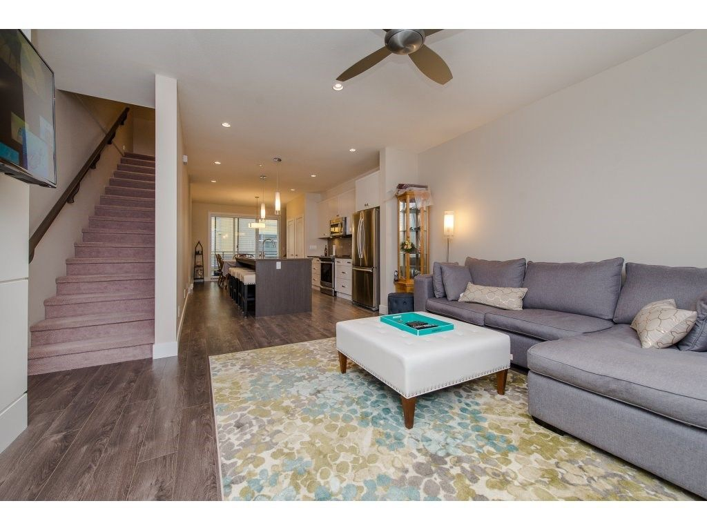 """Photo 11: Photos: 35 45615 TAMIHI Way in Sardis: Vedder S Watson-Promontory Townhouse for sale in """"EDGEMONT TOWNHOMES"""" : MLS®# R2243809"""