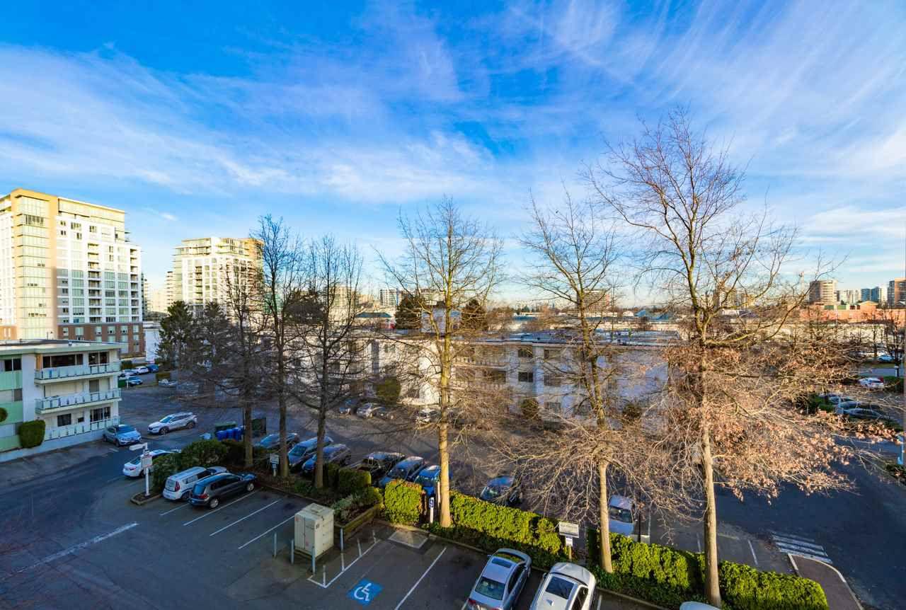 Main Photo: 512 6611 MINORU Boulevard in Richmond: Brighouse Condo for sale : MLS®# R2327586
