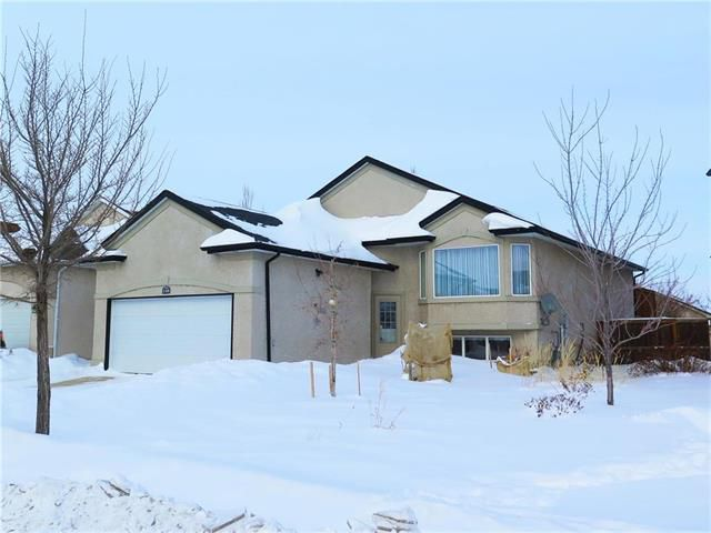 Main Photo: 158 Montvale Crescent in Winnipeg: Royalwood Residential for sale (2J)  : MLS®# 1902971