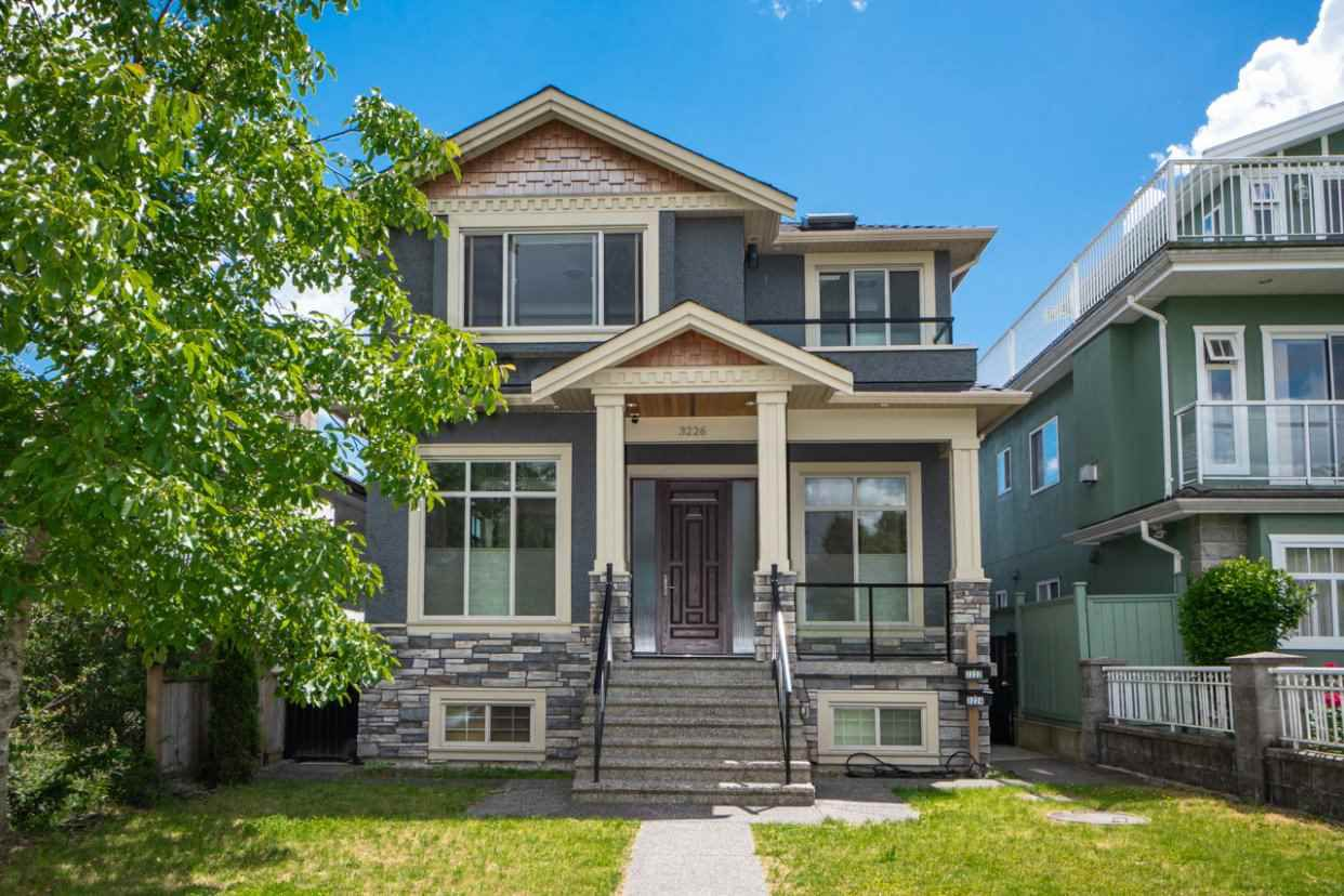 Main Photo: 3226 E 5TH Avenue in Vancouver: Renfrew VE House for sale (Vancouver East)  : MLS®# R2377389