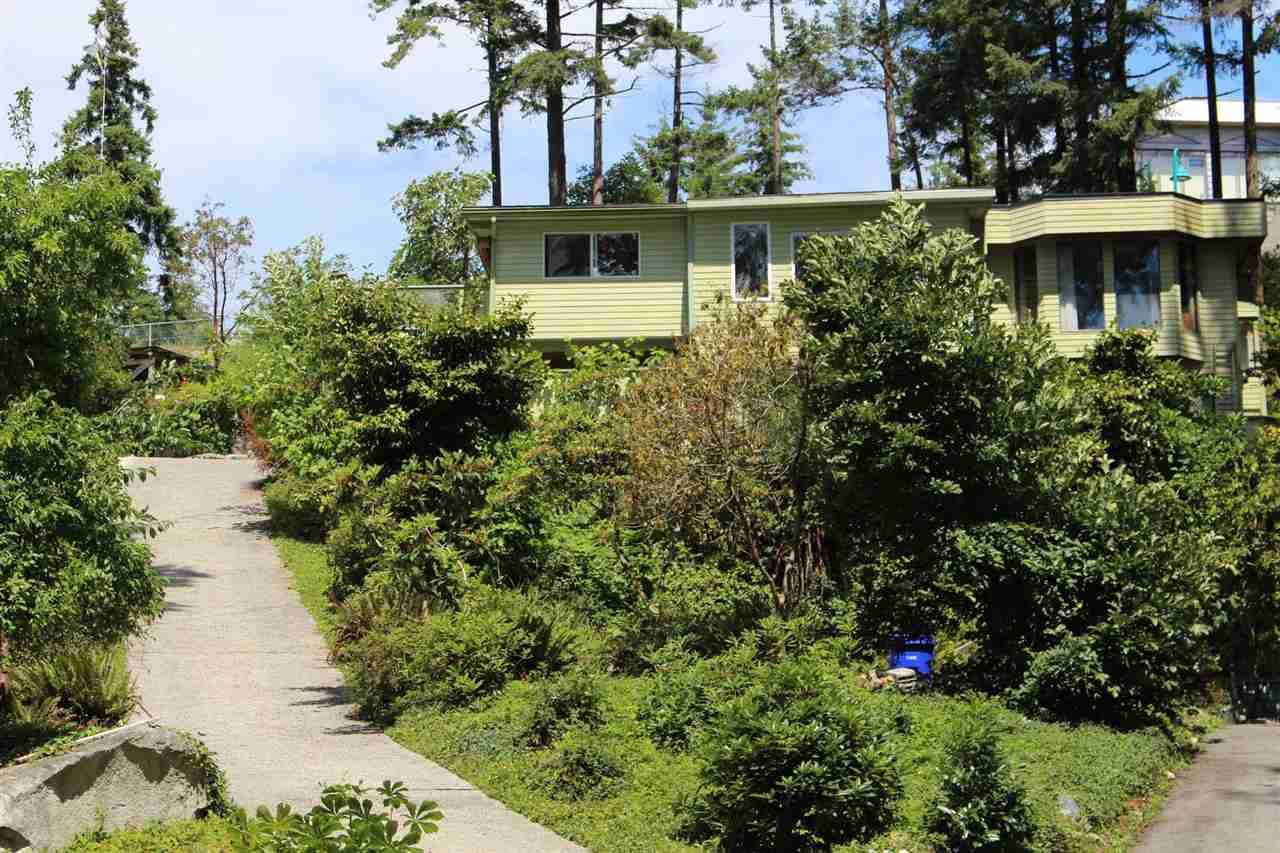 "Main Photo: 5910 SUNSHINE COAST Highway in Sechelt: Sechelt District House for sale in ""SECHELT VILLAGE"" (Sunshine Coast)  : MLS®# R2381011"