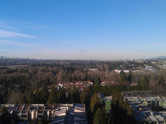 "Main Photo: 1502 3980 CARRIGAN Court in Burnaby: Government Road Condo for sale in ""DISCOVERY I"" (Burnaby North)  : MLS®# V921894"