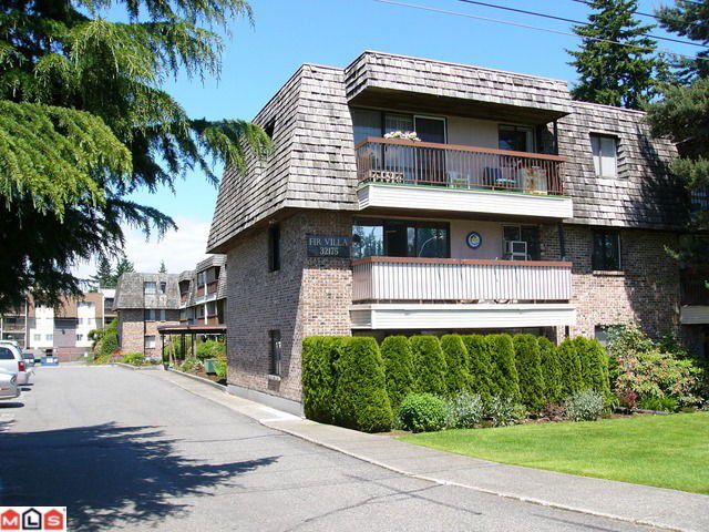 Main Photo: 203 32175 OLD YALE Road in Abbotsford: Abbotsford West Condo for sale : MLS®# F1225282