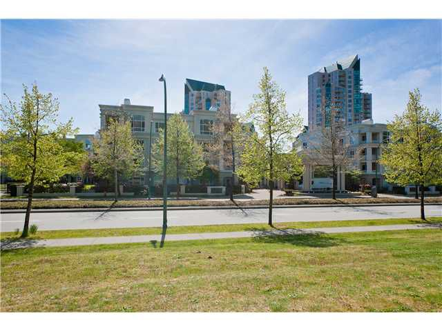 Main Photo: # 211 3098 GUILDFORD WY in Coquitlam: New Horizons Condo for sale : MLS®# V1005009