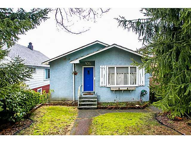 Main Photo: 3060 E 8TH Avenue in Vancouver: Renfrew VE House for sale (Vancouver East)  : MLS®# V1050531