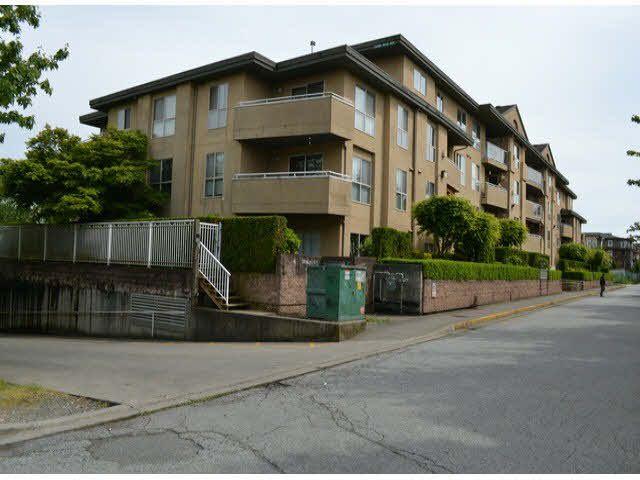 Main Photo: 406 13780 76TH Avenue in Surrey: East Newton Condo for sale : MLS®# F1413090
