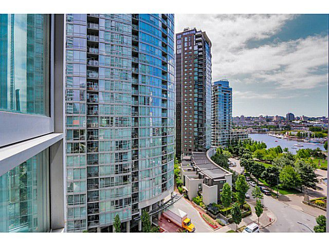 "Main Photo: 1106 1495 RICHARDS Street in Vancouver: Yaletown Condo for sale in ""AZURA II"" (Vancouver West)  : MLS®# V1068799"