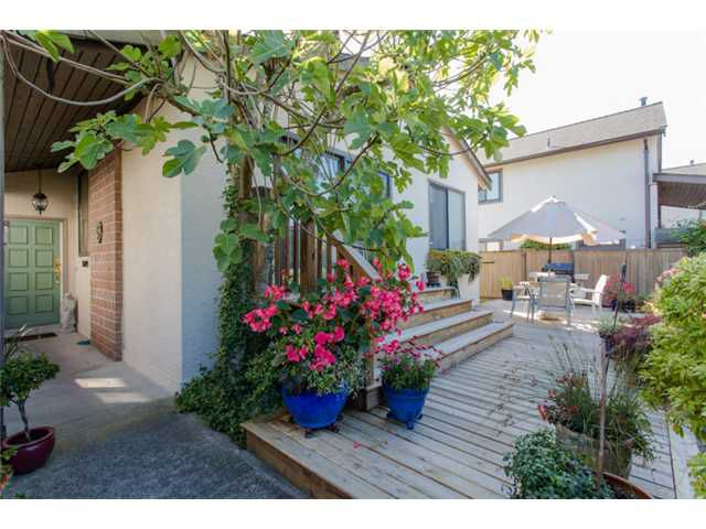 "Main Photo: 5 11291 7TH Avenue in Richmond: Steveston Villlage Townhouse for sale in ""MARINER'S VILLAGE"" : MLS®# V1084795"