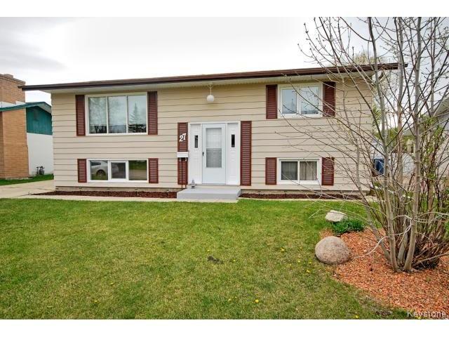 Main Photo: 27 Blue Spruce Crescent in WINNIPEG: St Vital Residential for sale (South East Winnipeg)  : MLS®# 1512368