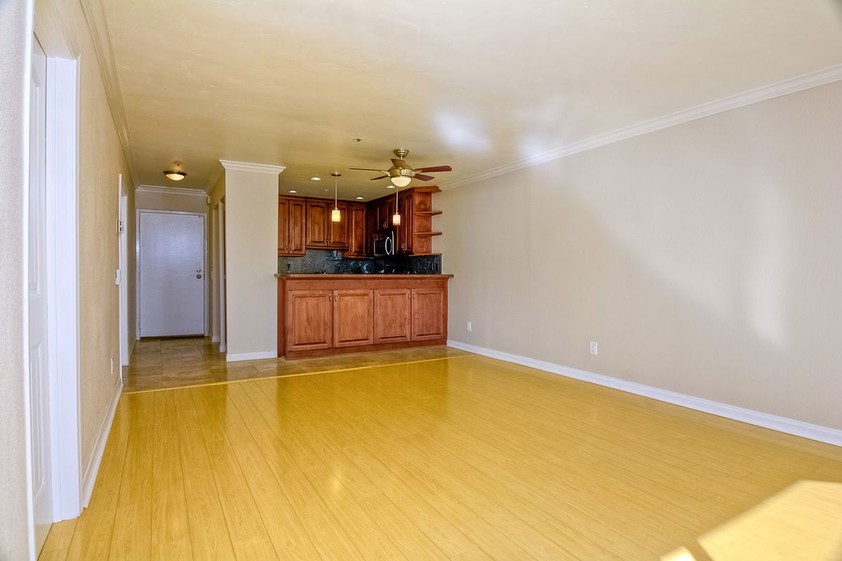 Photo 12: Photos: PACIFIC BEACH Condo for sale : 2 bedrooms : 4465 Ocean #34 in San Diego
