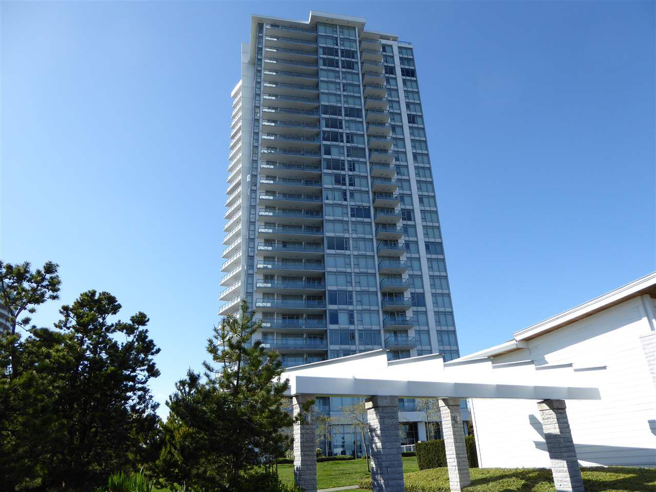 """Main Photo: 1702 6688 ARCOLA Street in Burnaby: Highgate Condo for sale in """"LUMA BY POLYGON"""" (Burnaby South)  : MLS®# R2052254"""