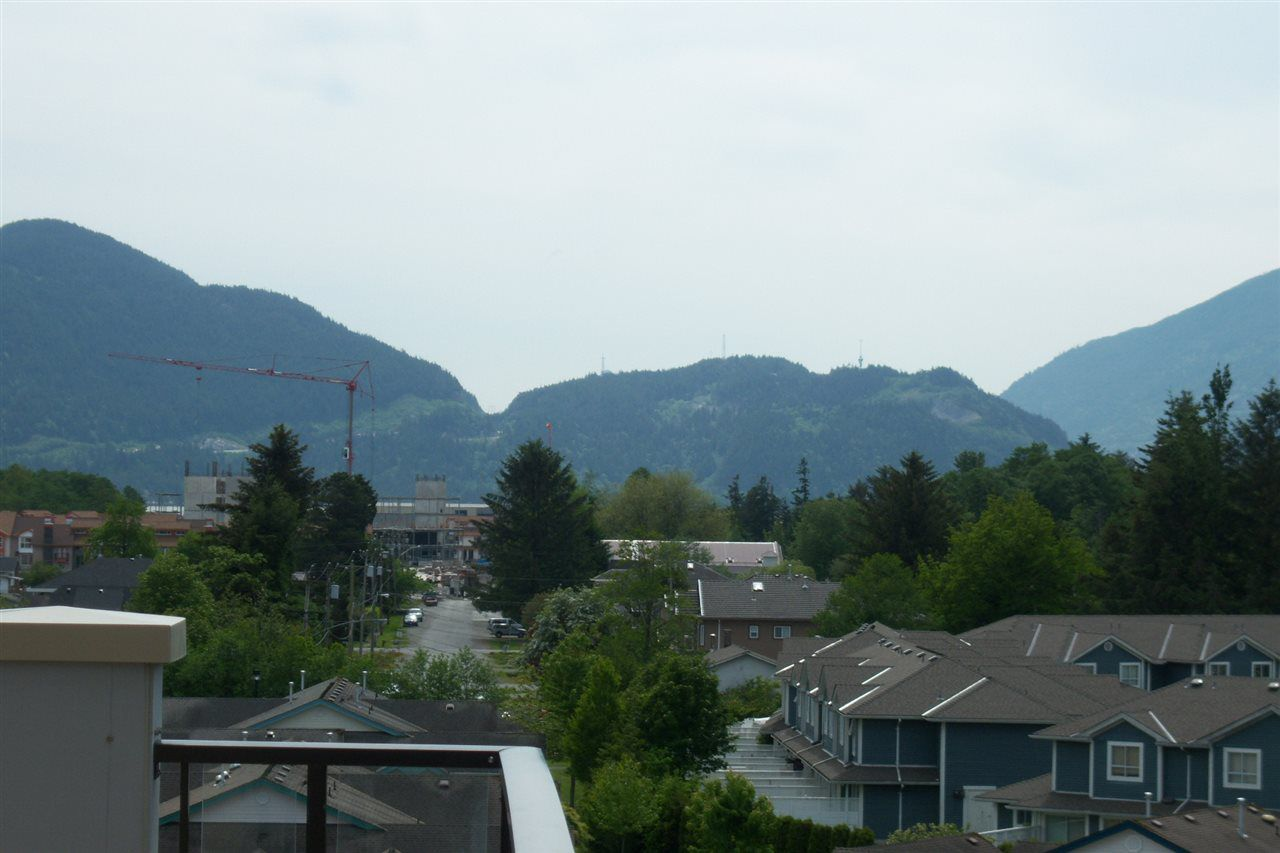 Photo 3: Photos: 503 1211 VILLAGE GREEN Way in Squamish: Downtown SQ Condo for sale : MLS®# R2119731