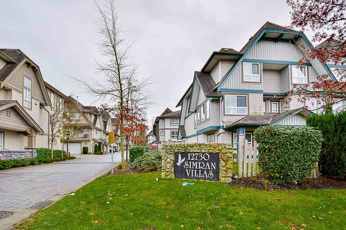 "Main Photo: 7 12730 66 Avenue in Surrey: West Newton Townhouse for sale in ""SIMRAN VILLAS"" : MLS®# R2125296"