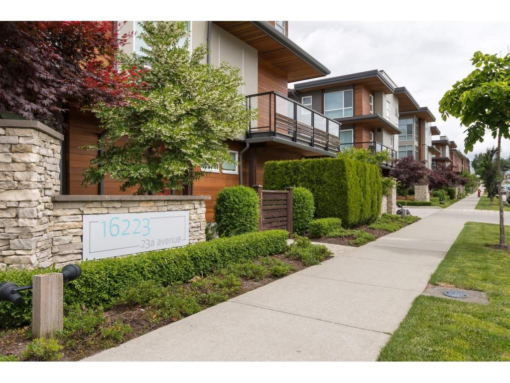 """Main Photo: 45 16223 23A Avenue in Surrey: Grandview Surrey Townhouse for sale in """"BREEZE"""" (South Surrey White Rock)  : MLS®# R2178021"""