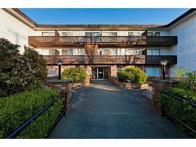 Main Photo: 304 910 FIFTH Avenue in New Westminster: Uptown NW Condo for sale : MLS®# R2188512