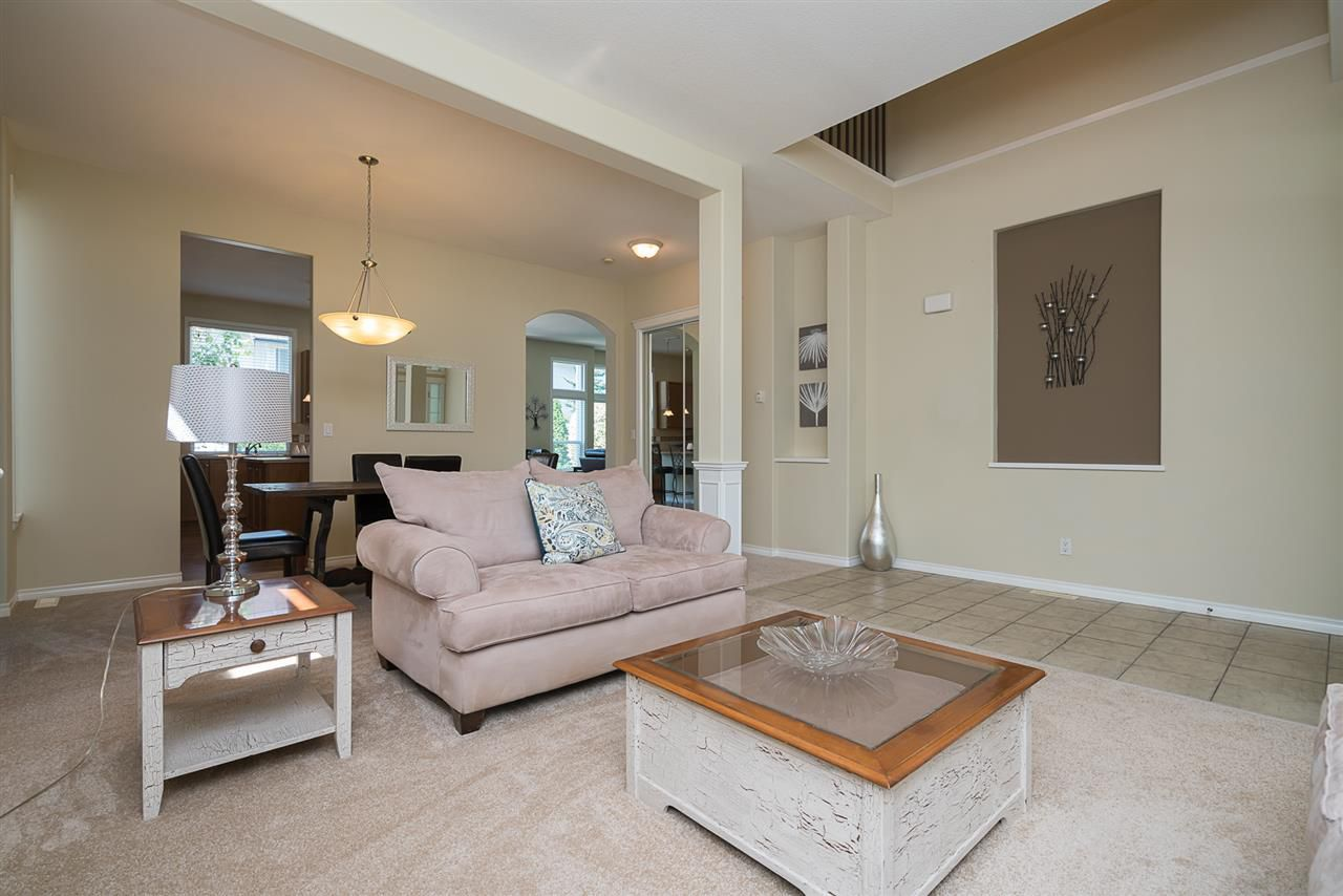 """Photo 4: Photos: 7055 201 Street in Langley: Willoughby Heights House for sale in """"JEFFRIES BROOK"""" : MLS®# R2188614"""