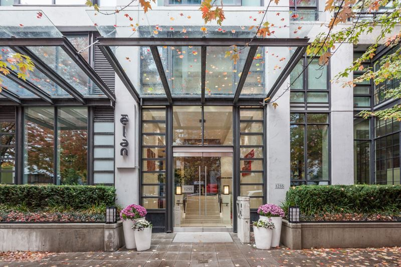 """Main Photo: 2605 1255 SEYMOUR Street in Vancouver: Downtown VW Condo for sale in """"Elan"""" (Vancouver West)  : MLS®# R2216432"""