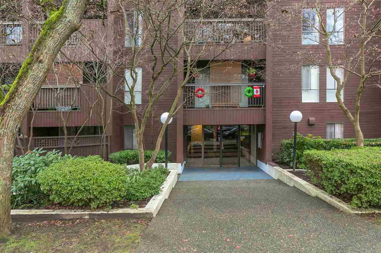 """Main Photo: 104 2920 ASH Street in Vancouver: Fairview VW Condo for sale in """"ASH COURT"""" (Vancouver West)  : MLS®# R2230630"""