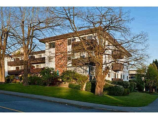 """Main Photo: 113 910 FIFTH Avenue in New Westminster: Uptown NW Condo for sale in """"GROSVENOR COURT"""" : MLS®# R2299858"""