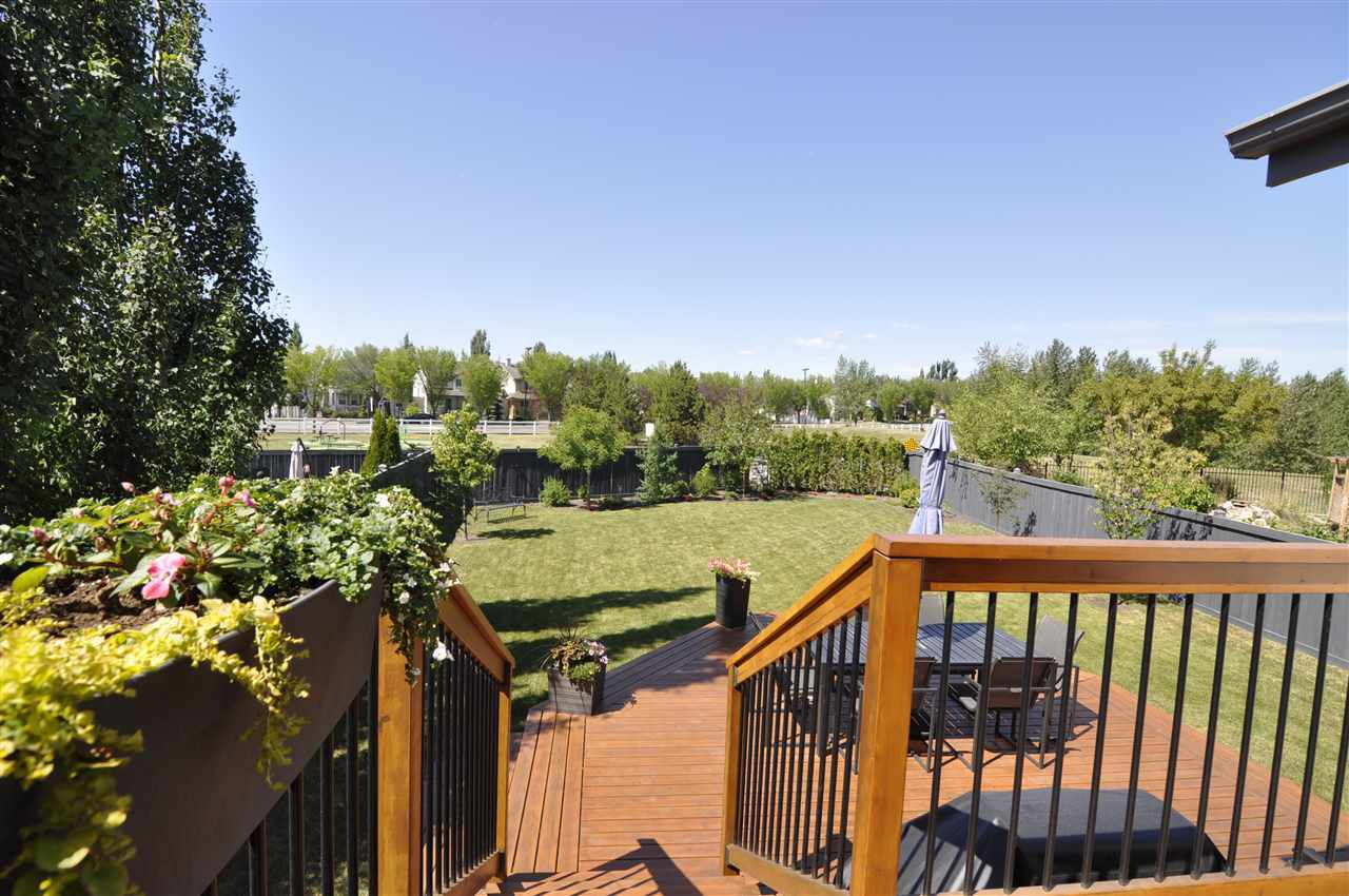 Main Photo: 2330 TAYLOR Close in Edmonton: Zone 14 House for sale : MLS®# E4137277