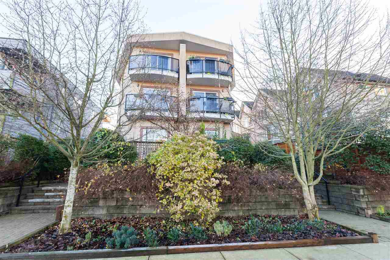 Main Photo: 2112 TRIUMPH Street in Vancouver: Hastings Townhouse for sale (Vancouver East)  : MLS®# R2326564