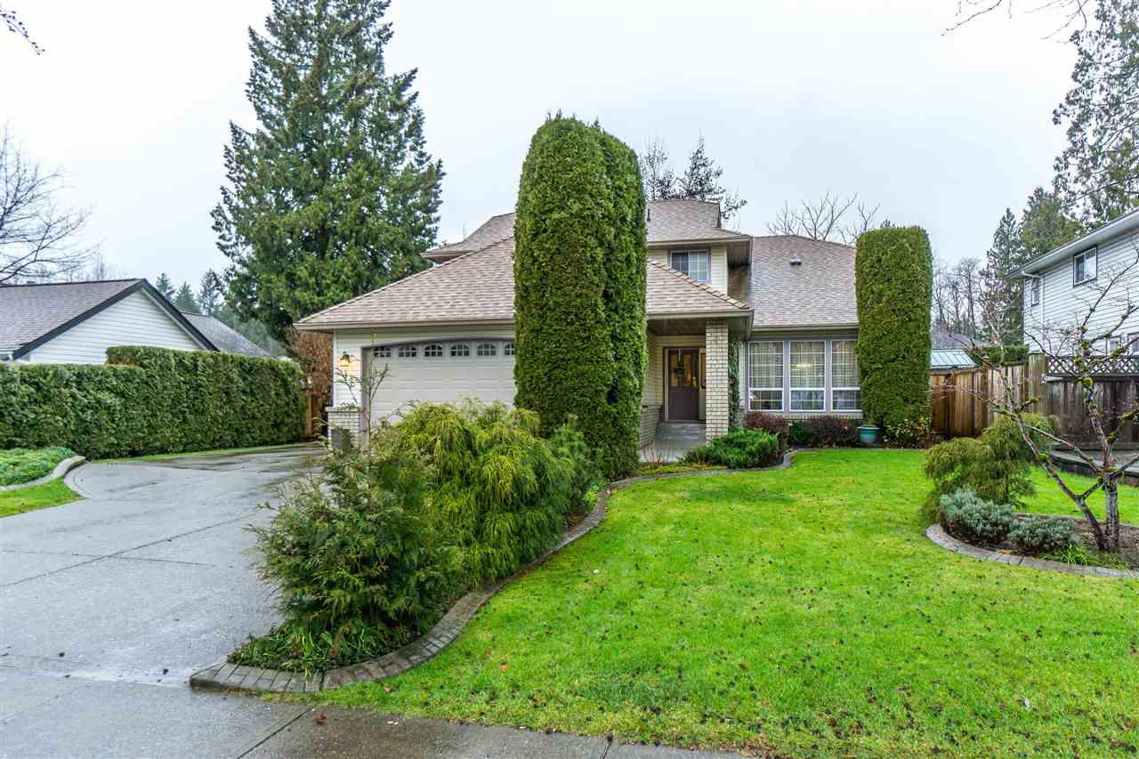 Main Photo: 9645 206 Street in Langley: Walnut Grove House for sale : MLS®# R2328940