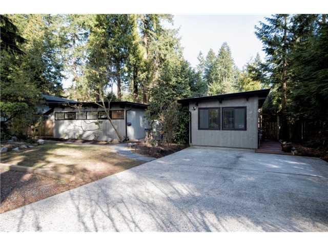 """Main Photo: 1886 BERKLEY Road in North Vancouver: Blueridge NV House for sale in """"BLUERIDGE"""" : MLS®# V1053509"""
