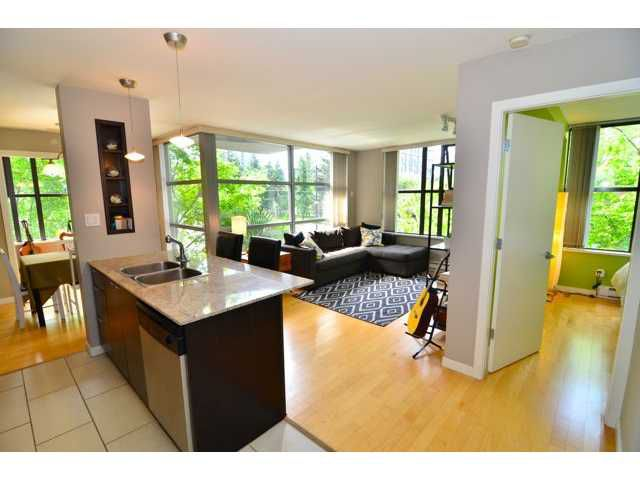 """Main Photo: 206 989 BEATTY Street in Vancouver: Yaletown Condo for sale in """"The Nova"""" (Vancouver West)  : MLS®# V1064585"""
