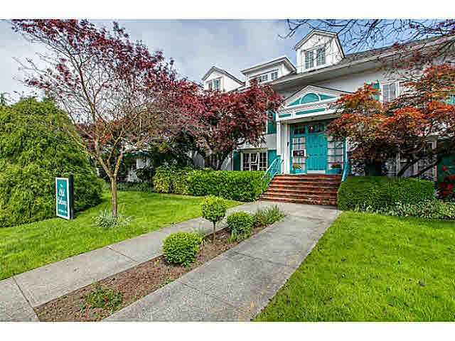 """Main Photo: 206 120 W 17TH Street in North Vancouver: Central Lonsdale Condo for sale in """"THE OLD COLONY"""" : MLS®# V1066487"""