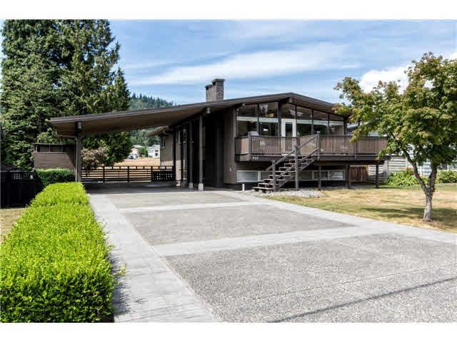 "Main Photo: 915 DUNDONALD Drive in PORT MOODY: Glenayre House for sale in ""GLENAYRE"" (Port Moody)  : MLS®# V1138259"