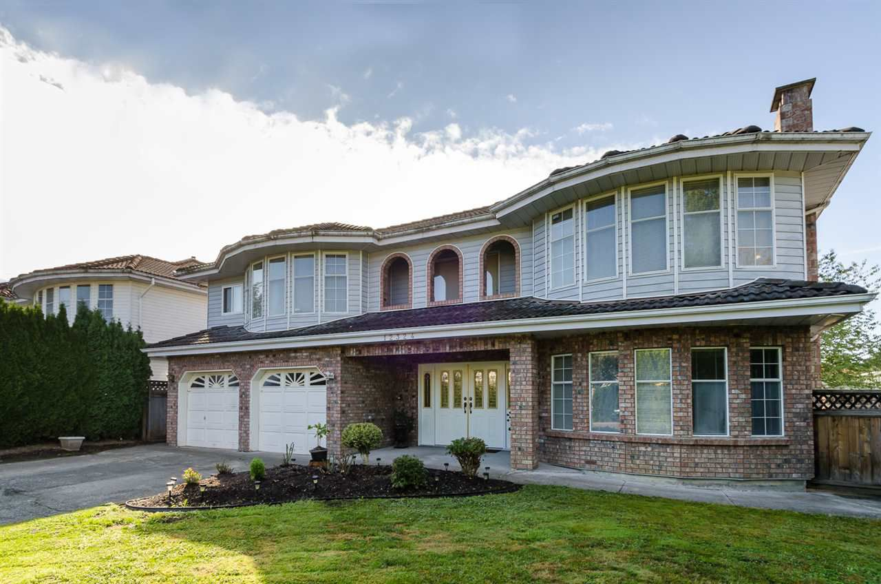 Main Photo: 12324 71A Avenue in Surrey: West Newton House for sale : MLS®# R2003224