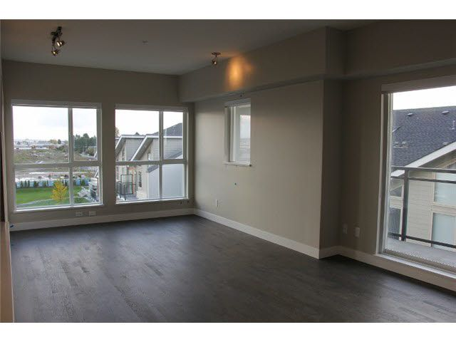 "Main Photo: 512 10155 RIVER Drive in Richmond: Bridgeport RI Condo for sale in ""Parc Riviera - St. Raphael"" : MLS®# R2016805"