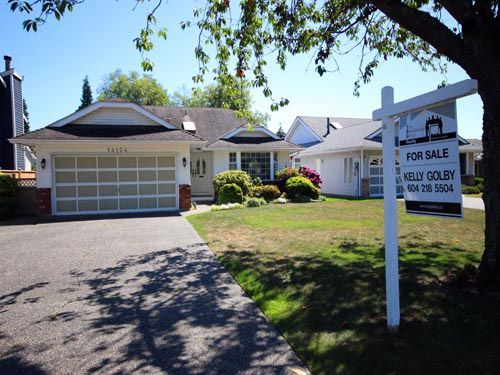 "Main Photo: 14154 16A Avenue in Surrey: Sunnyside Park Surrey House for sale in ""OCEAN PARK / SUNNYSIDE"" (South Surrey White Rock)  : MLS®# R2093548"