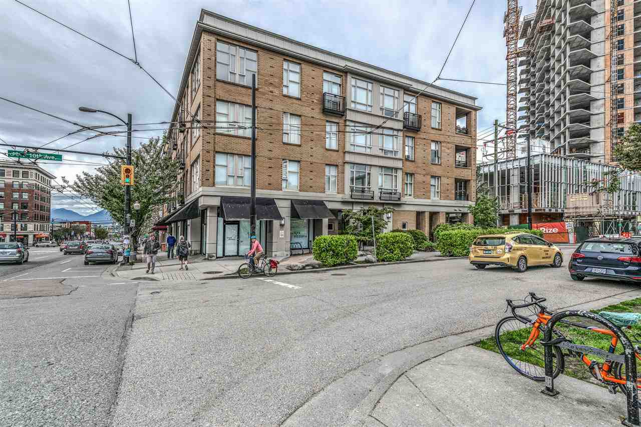 Main Photo: 206 205 E 10TH AVENUE in Vancouver: Mount Pleasant VE Condo for sale (Vancouver East)  : MLS®# R2169420