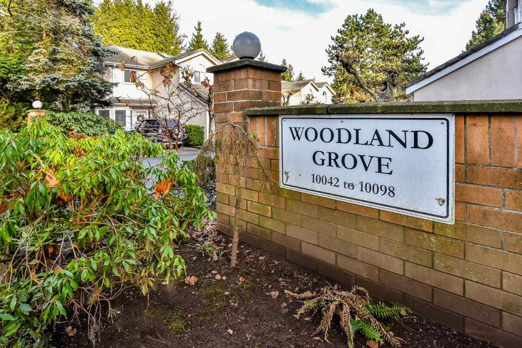 "Main Photo: 4 10086 154 Street in Surrey: Guildford Townhouse for sale in ""Woodland Grove"" (North Surrey)  : MLS®# R2238657"