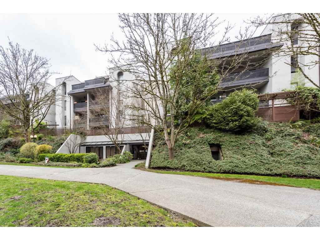 "Main Photo: 203 1945 WOODWAY Place in Burnaby: Brentwood Park Condo for sale in ""Hillside Terrace"" (Burnaby North)  : MLS®# R2249414"