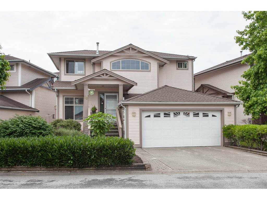 """Main Photo: 19 8675 209 Street in Langley: Walnut Grove House for sale in """"The Sycamores"""" : MLS®# R2288158"""